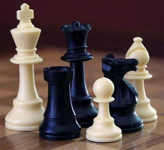 657px-ChessSet-702434